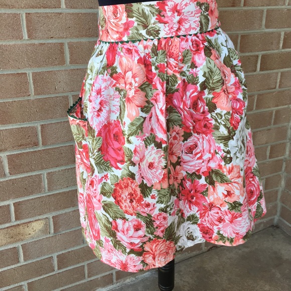 Vintage Rose half apron